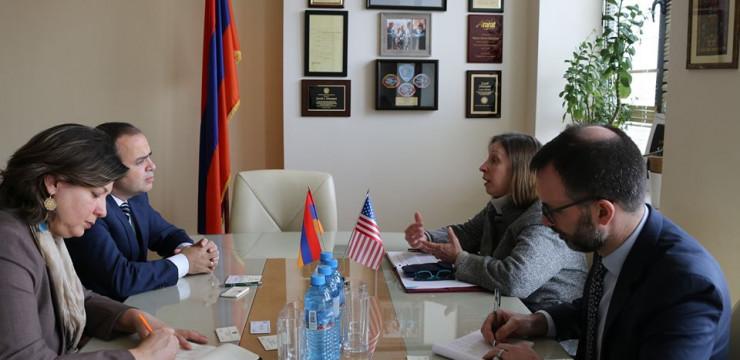 Զարեհ Սինանյանն ընդունեց Հայաստանում ԱՄՆ դեսպանին