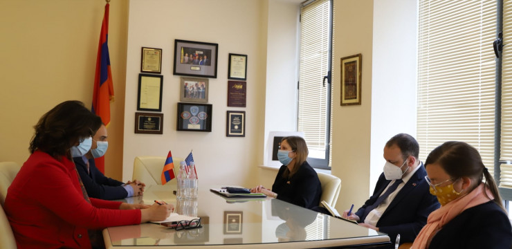 Meeting with the United States Ambassador to Armenia Ms. Lynne Tracy