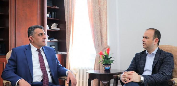 Զարեհ Սինանյանը ԱՄՆ-ում հանդիպեց ՀՀ դեսպան Վարուժան Ներսեսյանին