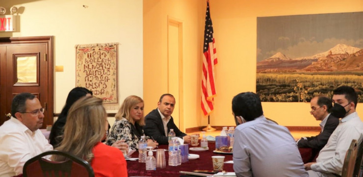 Գլխավոր հանձնակատարը Նյու Յորքում հանդիպեց Ամերիկայի հայ իրավաբանների ասոցիացիայի անդամների հետ