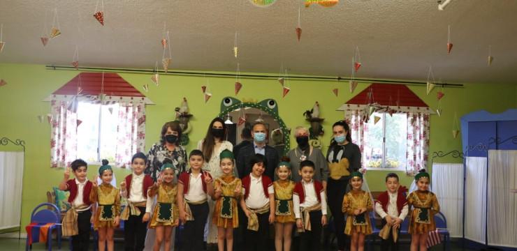 Գլխավոր հանձնակատարը Գլենդելում այցելեց «Արտեկ» հայկական մանկապարտեզ