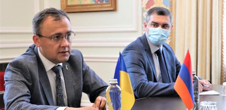 Զարեհ Սինանյանը հանդիպեց Ուկրաինայի փոխարտգործնախարար Վասիլի Բոնդարի հետ